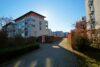 CITYHOUSE: Exklusiver Rheinblick, oberste Etage, Komfortwohnung mit Balkon, Aufzug, 2 TG Stellplätze - Gepflegte Wege und Grünanlagen