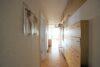 CITYHOUSE: Exklusiver Rheinblick, oberste Etage, Komfortwohnung mit Balkon, Aufzug, 2 TG Stellplätze - Heller Flur