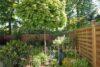 CITYHOUSE: Schönes, saniertes Eckreihenhaus mit gepflegtem Garten, 2 Terrassen, Keller, Garage - Viele Sträucher, Bäume und Blühpflanzen