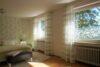 CITYHOUSE: Schönes, saniertes Eckreihenhaus mit gepflegtem Garten, 2 Terrassen, Keller, Garage - Elternschlafzimmer mit Ausblick in den Garten